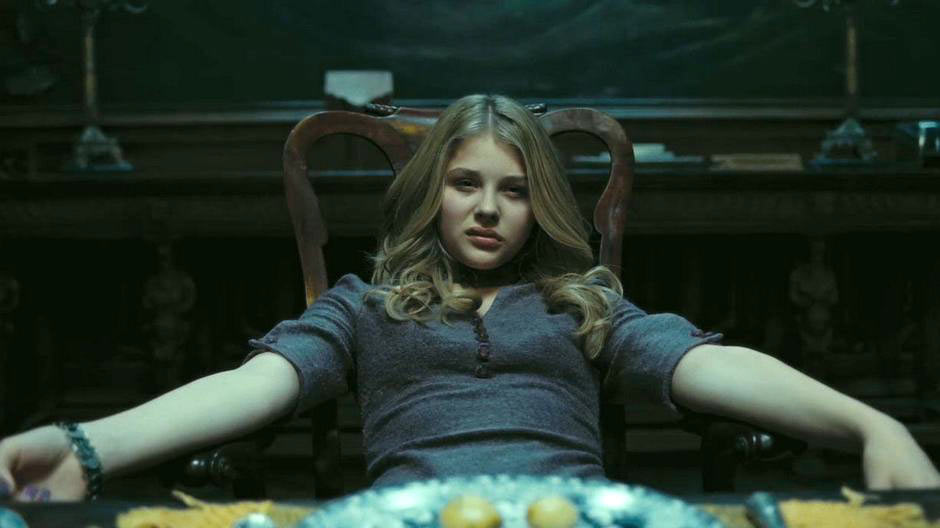 Chloe-Moretz-in-Dark-Shadows-2012-Movie-Image-2