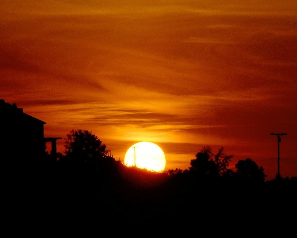 COUNTRY SUNDOWN Sunset